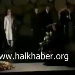 Video – BOP eş başkanı Erdoğan tüm insanlığın baş belası olan Siyonizmin babasının mezarına çelenk koyarken