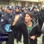 Video – Konya'da evi yıkılacak olan kadın hükümetin icraatlarına karşı isyanını haykırdı