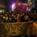 """""""İnternet çok yavaş hükümeti indiremiyoruz"""" protestosuna müdahale"""