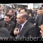 Video – Başbakan Soma'da tepki gösteren vatandaşa saldırdı