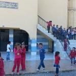 60 senelik okulun tadilatı bitmedi, iki yıldır caminin altında öğrenim görülüyor