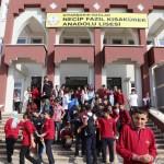 270 kişilik okula 1360 öğrenci kaydedildi