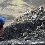 Ermenekli 16 madenci halen çıkarılmadı, halk hafriyattan yakacak topluyor