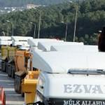 Kamyoncular Şile Yolu'nu trafiğe kapattı