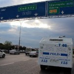 Başbakan geçecek diye D-100 karayolu kapatıldı, sürücüler durumu protesto etti
