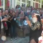 Video – Halktan ortak tepki: Erdoğan oğlunu askere yolla!