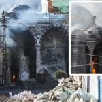 Diyarbakır Sur'daki çatışmalarda tarihi camide yangın çıktı