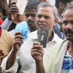 Hindistan, Suudi Arabistan'da yiyecek bulamayan 10 bin Hintli işçiye yiyecek yolladı