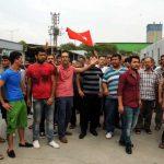 Kapatılan fabrikanın işçileri, tazminatlarını istiyor